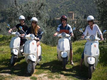 Tuscany Vespa Tour - Single Vespa